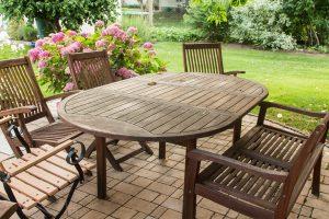 Proteger los muebles del jardín en invierno